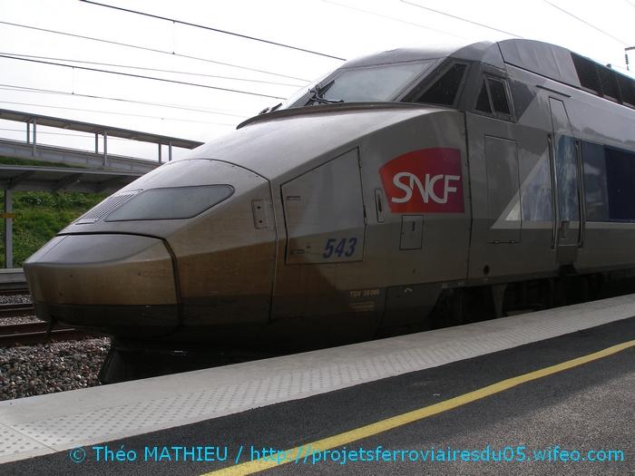 Gare Champagne-Ardenne TGV (Juin 2007) GARE-CHAMPAGNE-ARDENNE-TGV---8-Juillet-2007---18