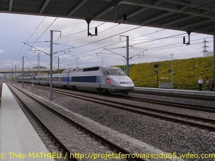 Gare Champagne-Ardenne TGV (Juin 2007) GARE-CHAMPAGNE-ARDENNE-TGV---8-Juillet-2007---25