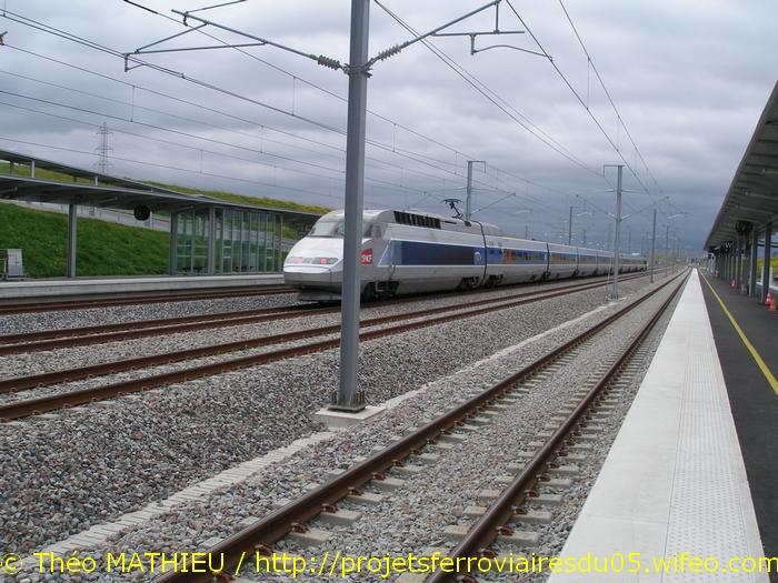 Gare Champagne-Ardenne TGV (Juin 2007) GARE-CHAMPAGNE-ARDENNE-TGV---8-Juillet-2007---26