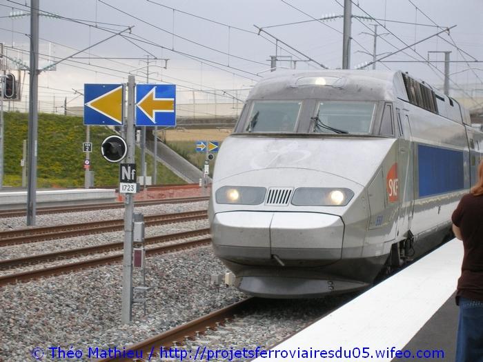 Gare Champagne-Ardenne TGV (Juin 2007) GARE-CHAMPAGNE-ARDENNE-TGV---8-Juillet-2007---8