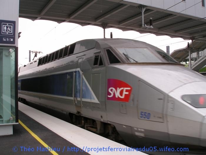 Gare Champagne-Ardenne TGV (Juin 2007) GARE-CHAMPAGNE-ARDENNE-TGV---8-Juillet-2007---9